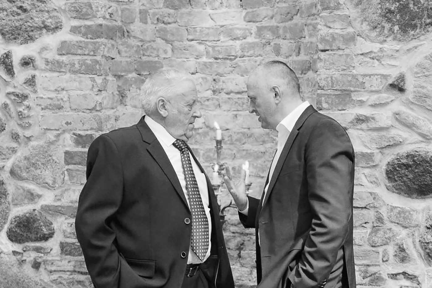 Pārrunu brīdī ar tēvu