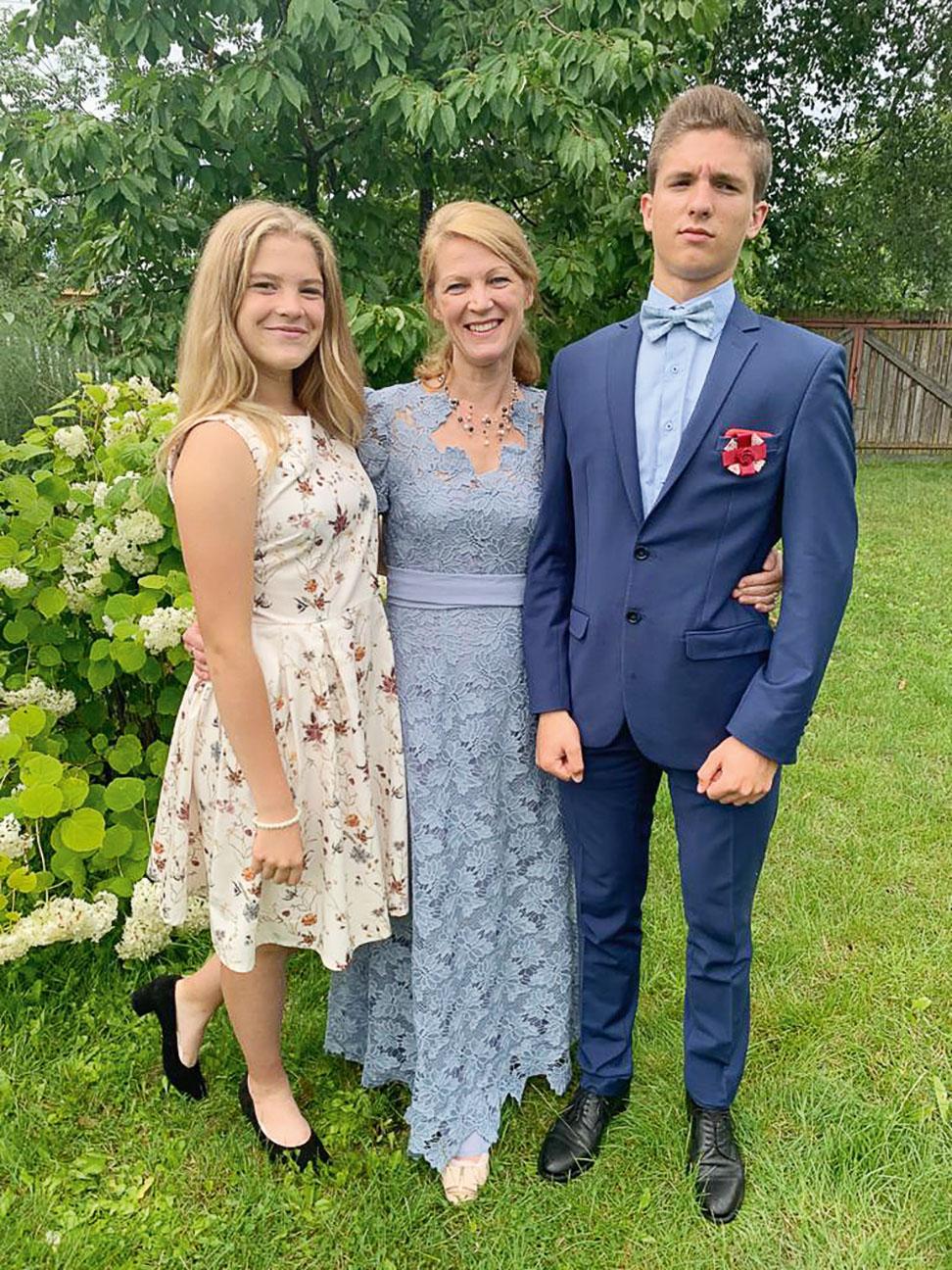Kopā ar  mīļajiem bērniem  Agnesi un Armandu  2020. gada vasarā