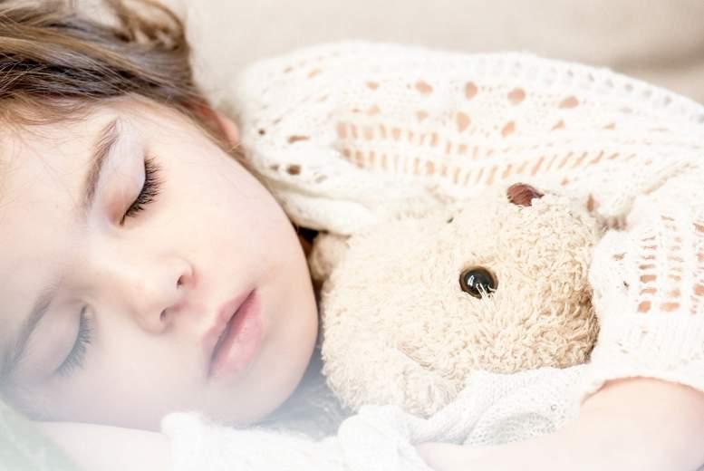 Bērni ar obstruktīvo miega apnoju un nakts enurēzi: stāvoklis pēc adenotonsilektomijas